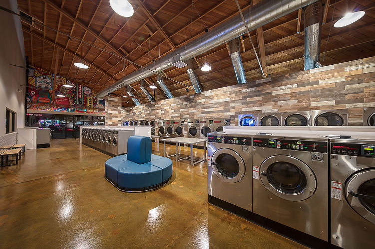 speed_queen-spincycle-laundry-lounge_2